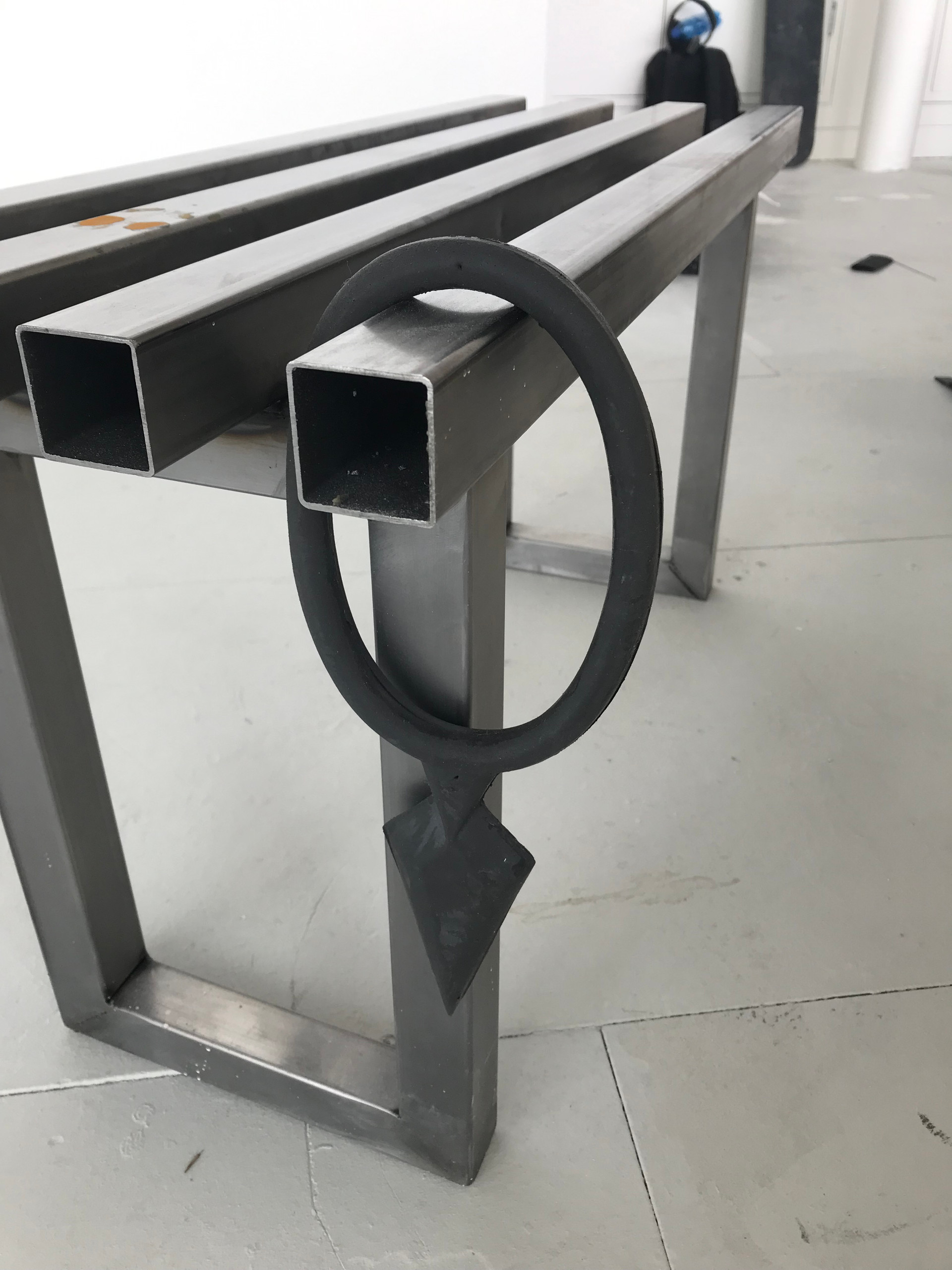 silicone spear ring on steel bench
