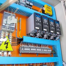 Excelência em Montagem de Painéis Elétricos em SP