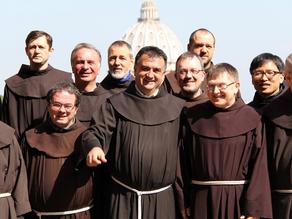 """El Papa, a los franciscanos: """"como peregrinos y forasteros"""" . Julio 2021"""