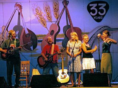 Jon with Tom Chapin and the Chapin Sisters