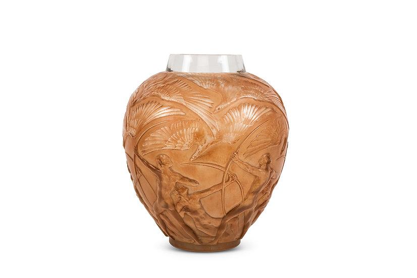 RENE LALIQUE – Vase Archers - c. 1930