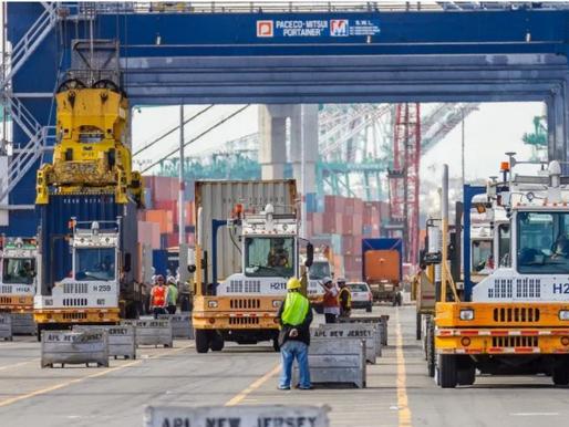 Port Bottlenecks Snarl Imports Flowing in for Holiday