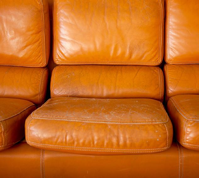 canape cuir orange_MG_9847 BD.jpg