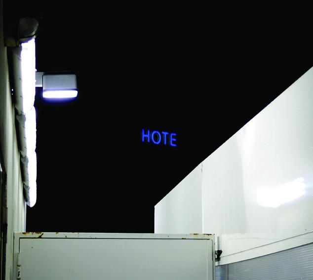 neon Hote 20x30 cmjn BD.jpg