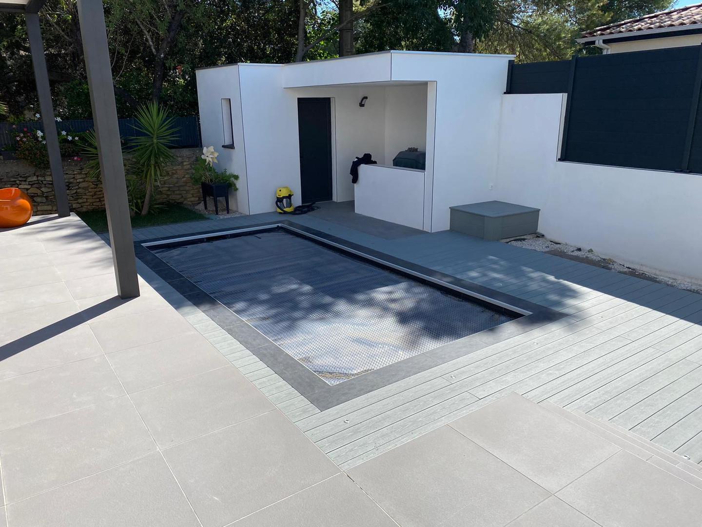 Tour de piscine sur mesure