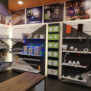 Estantería o muebles adosados   Muebles sobre diseño   Diseño de interiores  Remodelación Local Comercial   Remodelación Atizapán.
