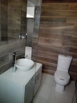 Remodelación de baño | diseño de baños | Interiorismo | cancel de aluminio