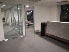 Puertas de cristal o acceso controlado | Diseño de interiores | Muebles sobre diseño | Remodelación de oficina Rio Sena