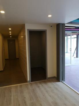 Divisor de ambientes   Diseño de interiores   muebles sobre diseño   Remodelación de local comercial   Arboledas.