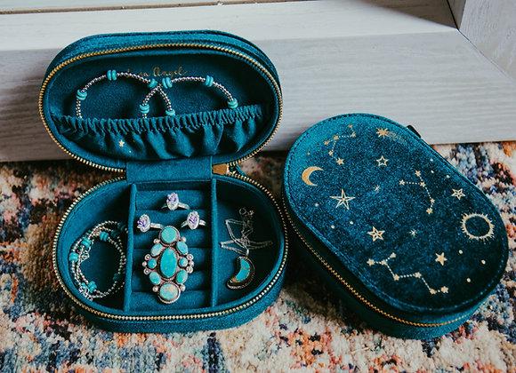 Emerald Velvet Oval Jewelry Case
