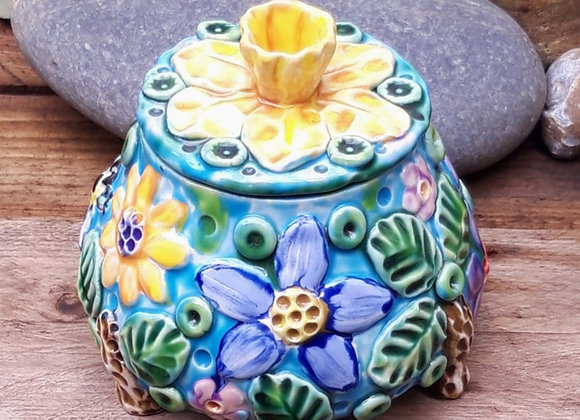 Lidded Jar with Daffodil, Bee and Flowers