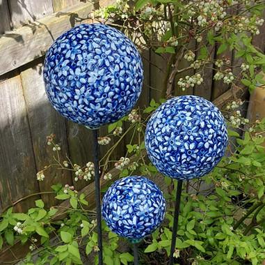 Renee Kilburn Ceramics Allium Flowers.jp