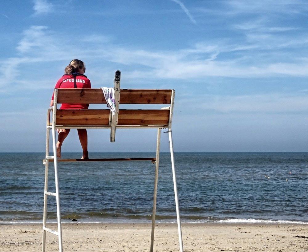 Strandwachten zouden een goStrandwachten zijn de perfecte Crowd Scouts. Met Super Linda geven zij makkelijk de actuele drukte aan.ede Crowd Scout kunnen zijn. Met Super Linda geven zij makkelijk de actuele drukte door.