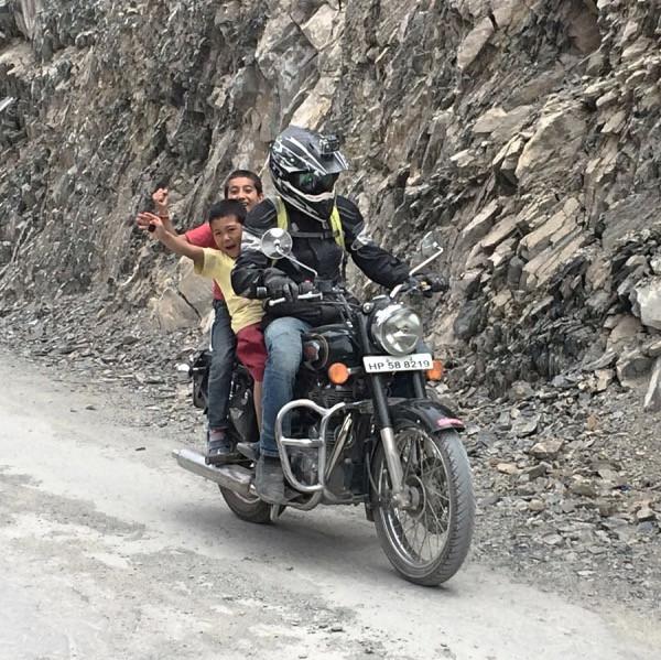 Hitchikers at Himalayas.jpg