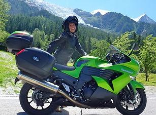 Kawasaki ZZR1400 Girl.jpg