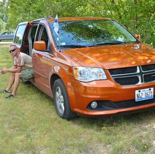 Dodge Caravan.jpg