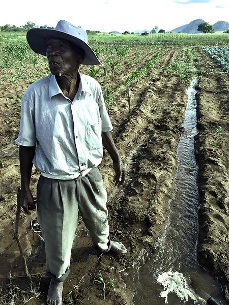 irrigatorMozambique.jpg