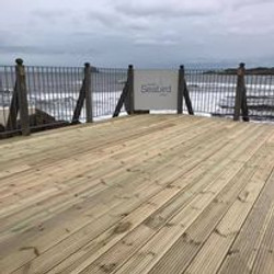 deck_with_a_seaview.jpg