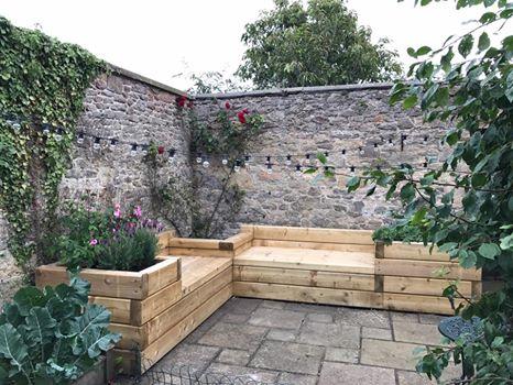 corner_timber_bench_seat.jpg
