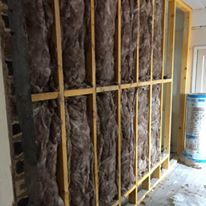 bulider-stud-wall-and-insulation