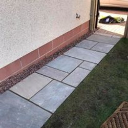 natural_sandstone_paving.jpg