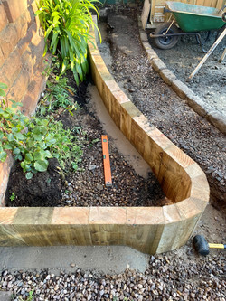 curved_sleepers_for_planting.jpg
