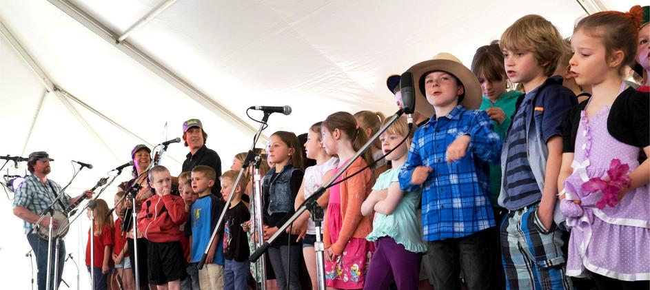 Kids performing at the Kinglake Bluegrass festival