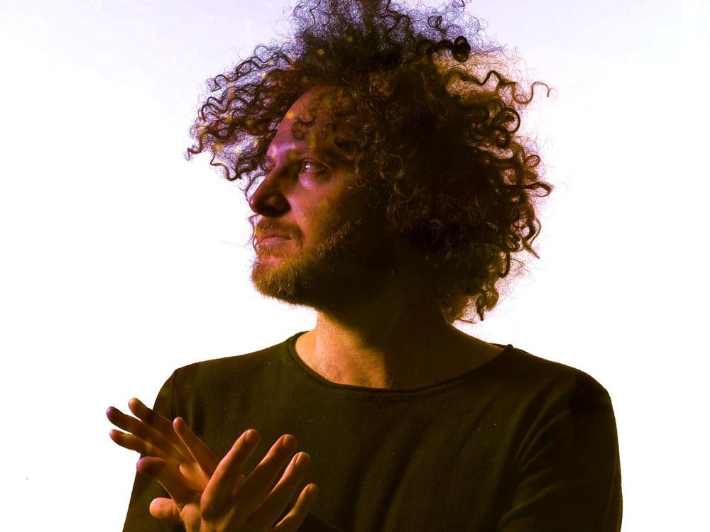 Antonio Magrini, leader, voce, chitarra, synth della band milanese Siveral