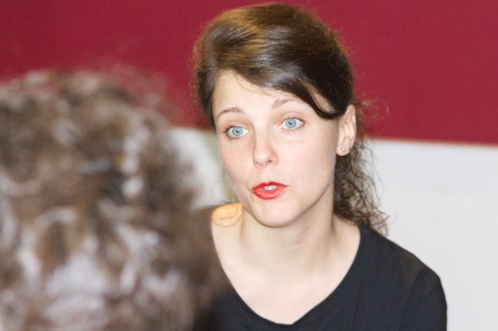 Un altra fotografia a Marta Ascari durante l'intervista a Lo Studio Speziale di Bologna