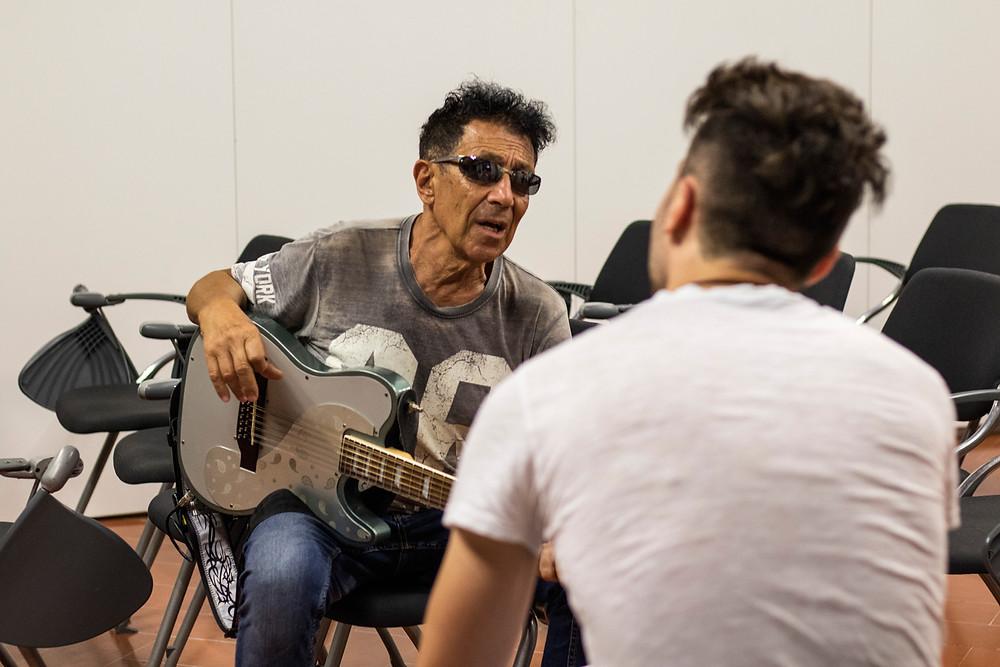 Una fotografia a Edoardo Bennato durante l'intervista