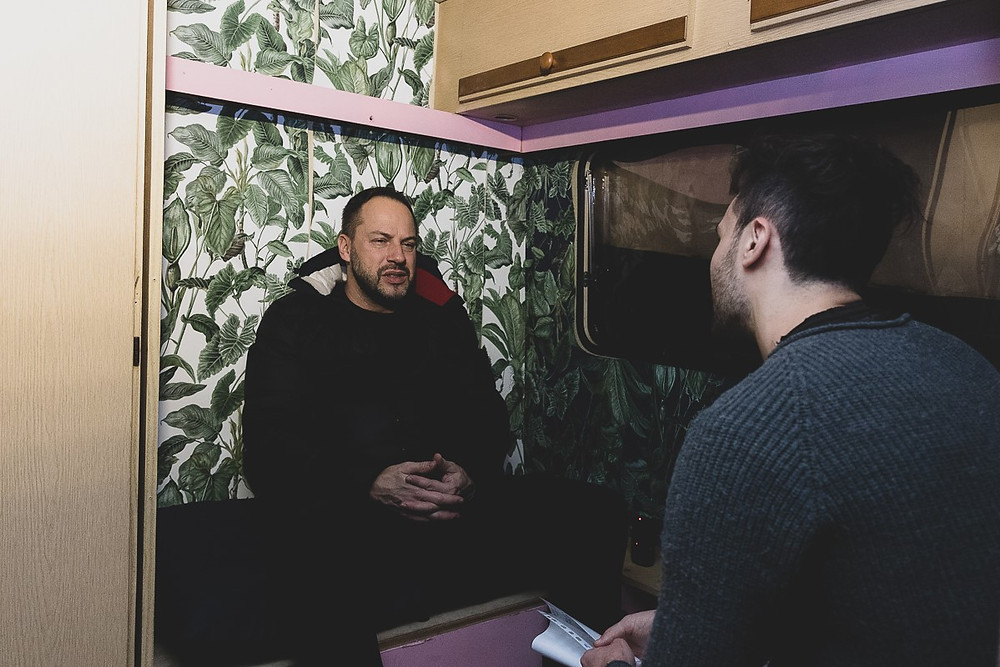 Alessio Mariani, in arte Murubutu, durante l'intervista all'Officina Klee di Cavriglia
