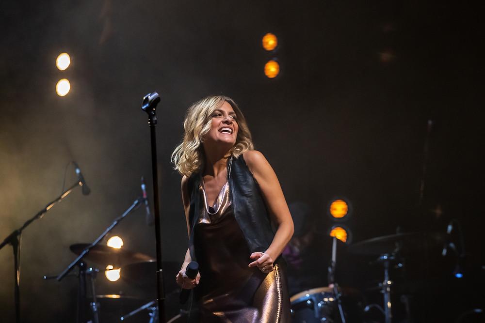 Irene Grandi ieri sera sul palco del Teatro Verdi di Firenze