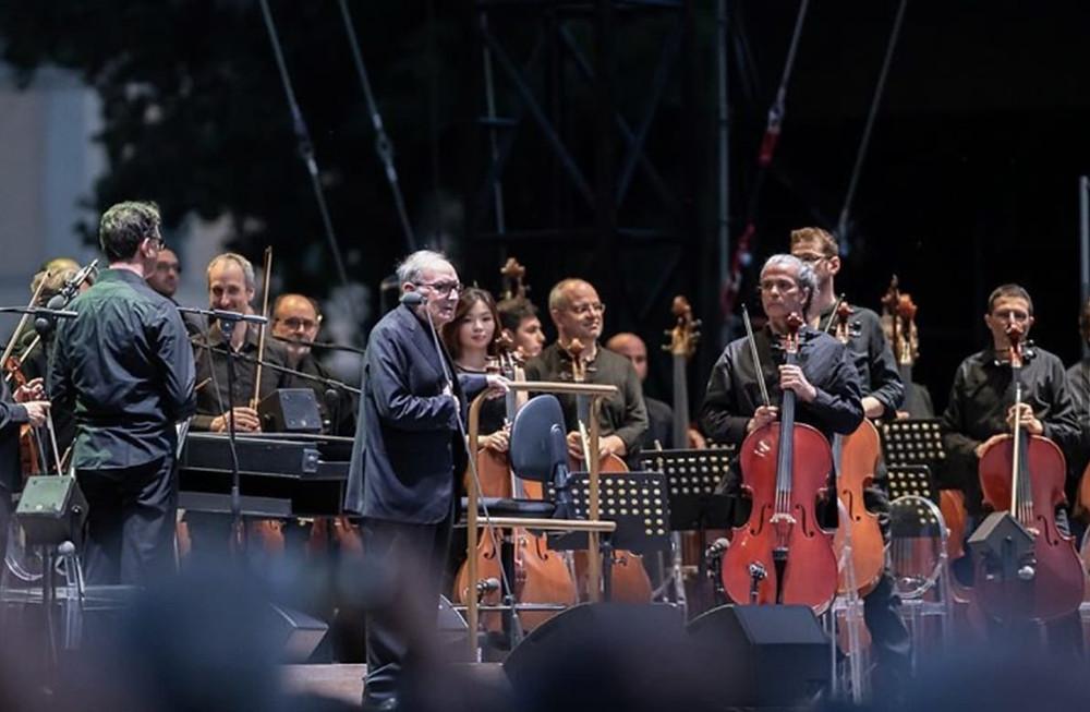 Ennio Morricone durante il concerto di ieri sera al Lucca Summer Festival