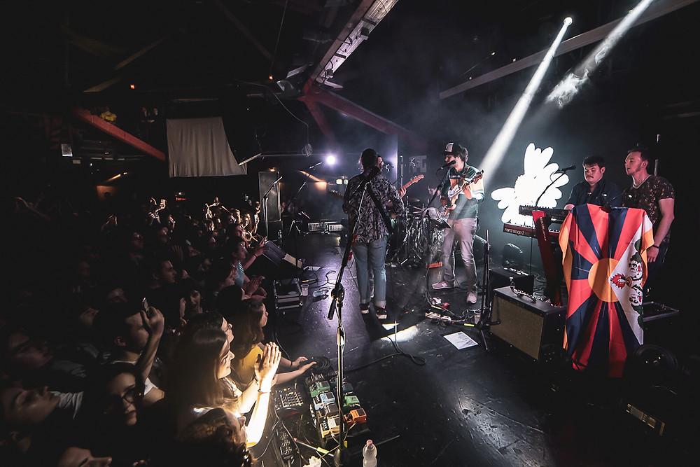 La band sul palco dell'Auditorium Flog di Firenze