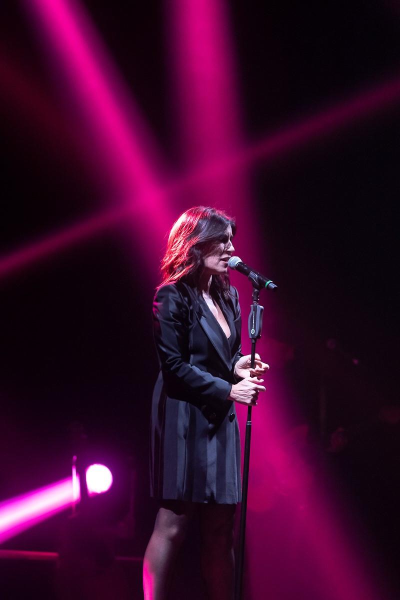 Paola Turci durante l'ultima tappa del suo tour nei teatri italiani