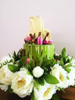 garden drip cake