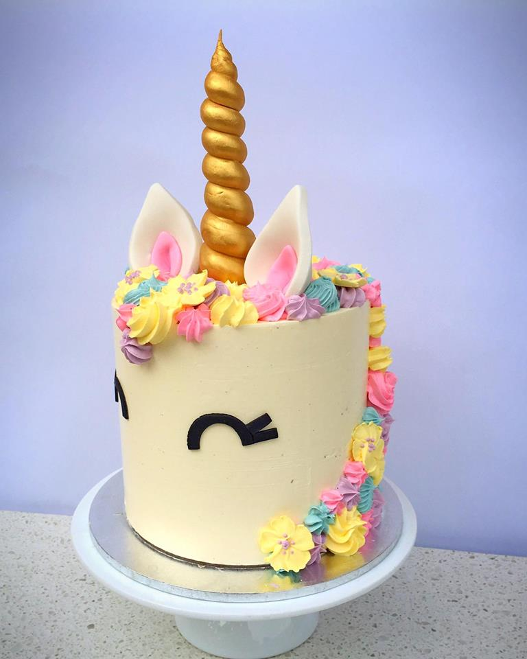 cutest unicorn cake