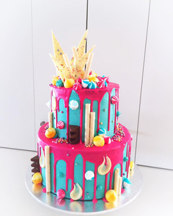 first birthday drip cake2