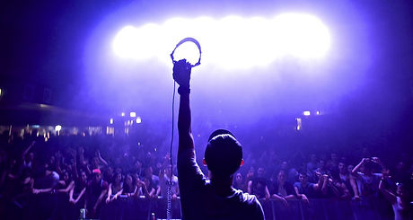 dj-crowd-headphones.jpg