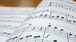 music-lesson-interior-musical-score-roya