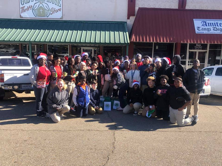 Forty Kentwood High Students Participate in 4-H Holiday Soft Skills Ambassador Training