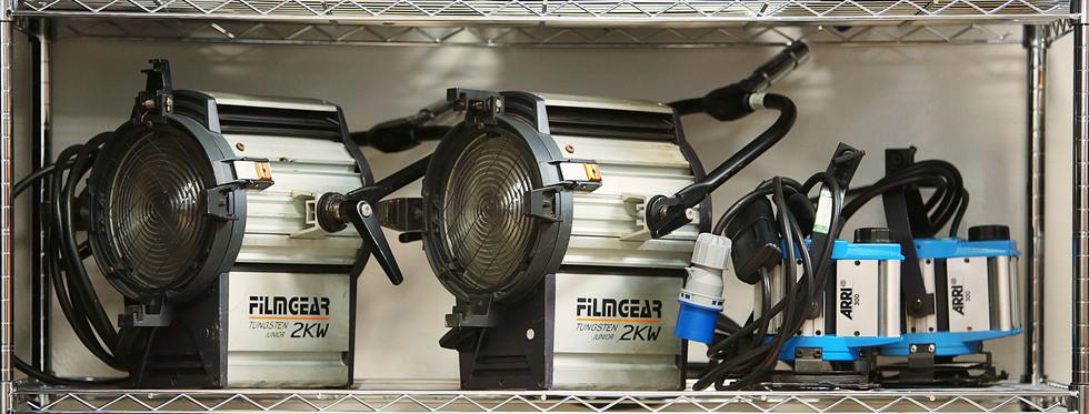 2 x 2k filmgear fresnel  | 2 x 300w arri fresnel