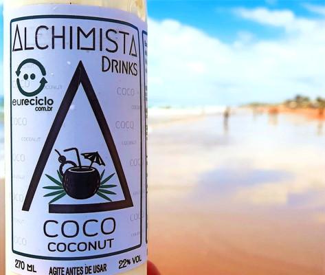 Drink de praia. muito refrescante