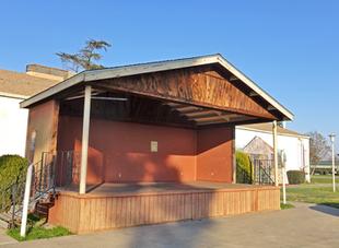 Bear Creek Plaza