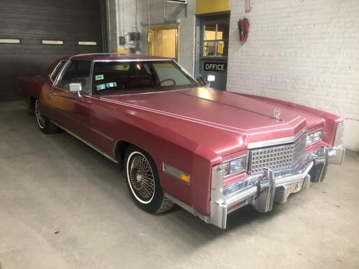 Dovezli jsme kus USA do ČR, jak to bylo s Cadillacem a jak ho vyhrát.