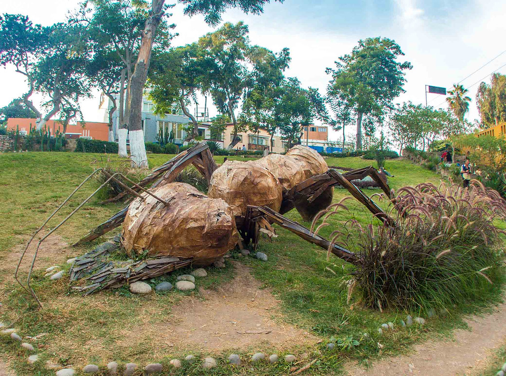Large Ant sculpture in Barranco