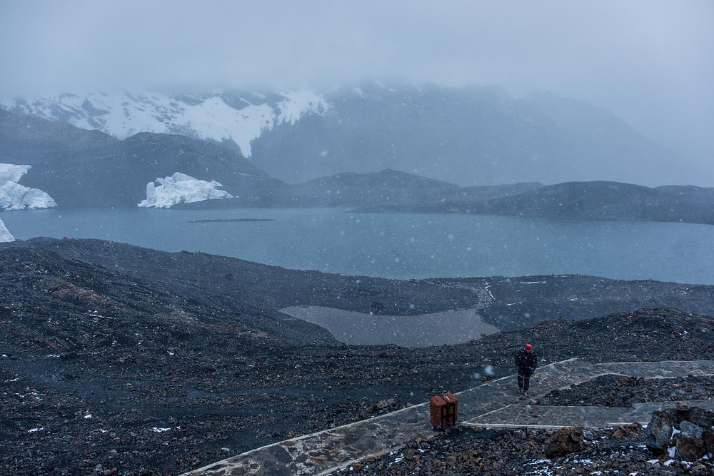 Pastarouri Glacier blizzard