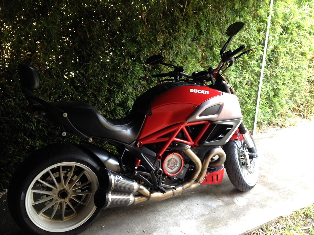 Dave's lovely Ducati Diavel - my first pillion ride in a while!