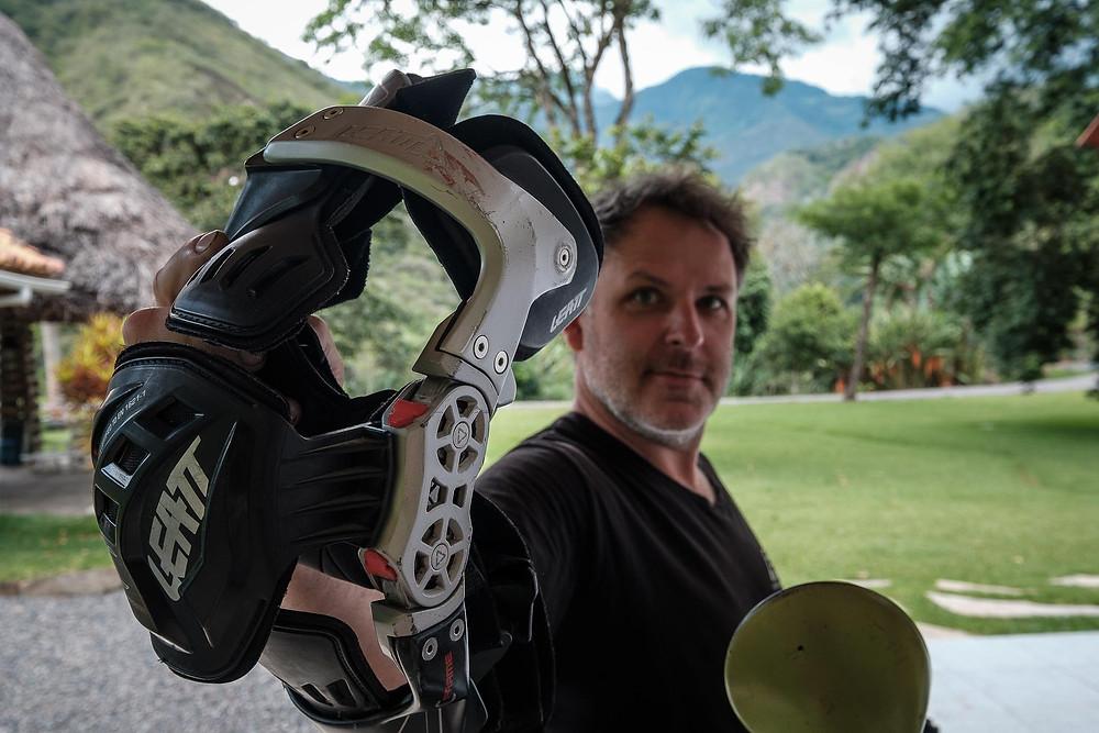 A Leatt C-Frame knee brace : Photo by Micnus Olivier @ pikipikioverland.com