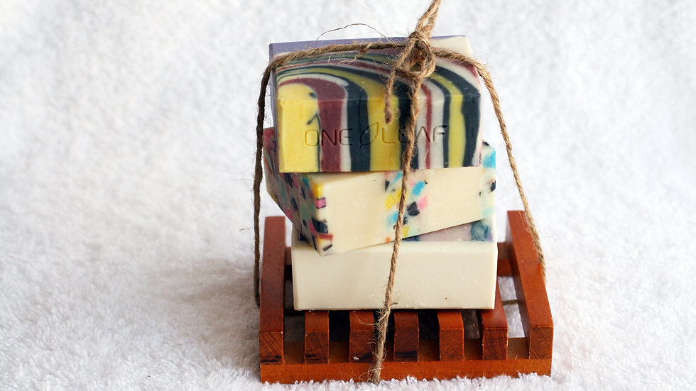 Wooden Soap Dish Gift Set – 3 Soaps